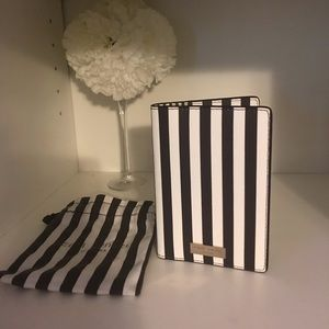 Henri Bendel passport cover
